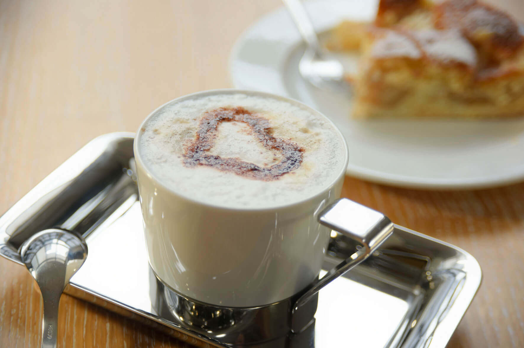 Kaffee und Kuchen im Haus Hochstein genießen