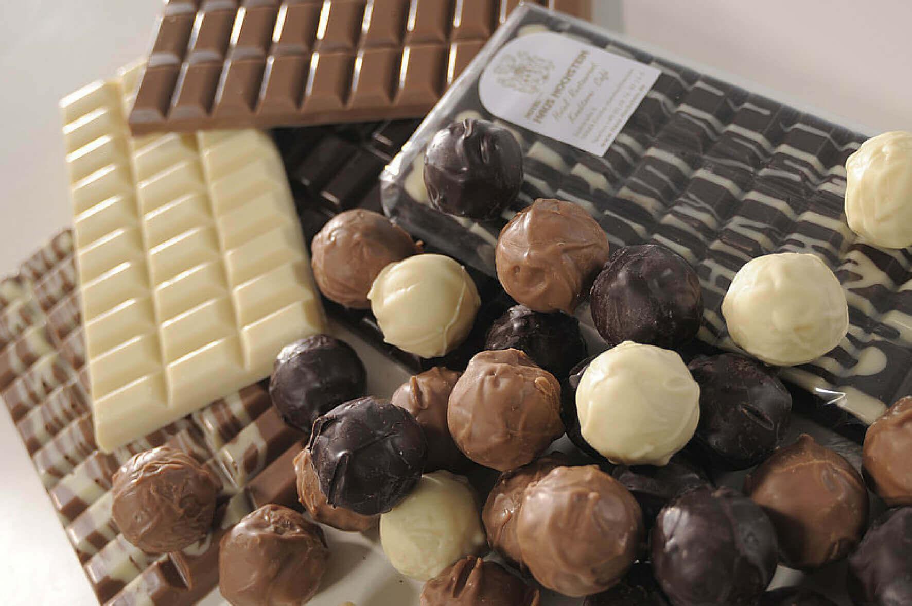 Hausgemachte Schokolade und Pralinen