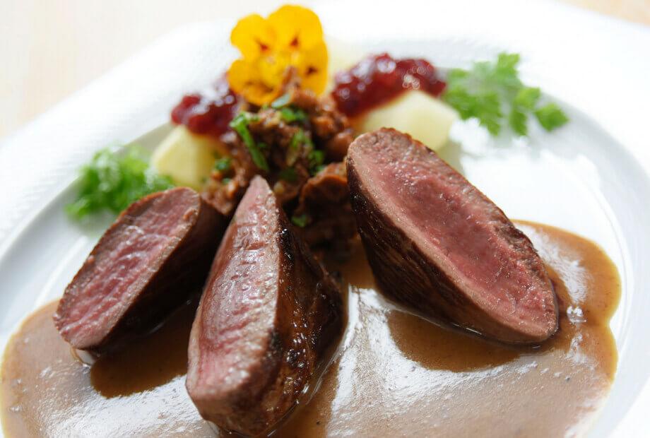 Kulinarisch genießen: Abendessen im Haus Hochstein - Wildgerichte