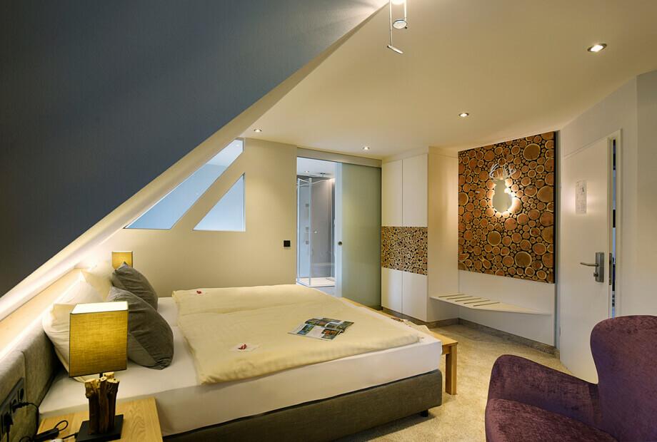 Hotelzimmer in Wenholthausen mit Badewanne