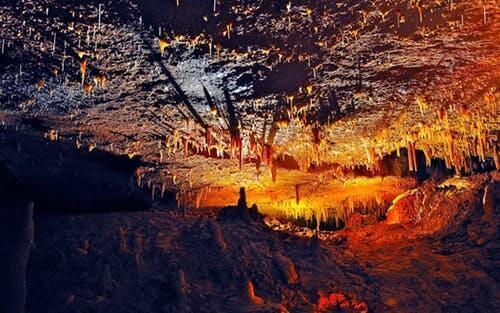 Höhlenbesichtigung bei schlechtem Wetter im Sauerland